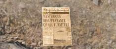 يك روزنامه ي ديگر كه در كنار عكس يك بشقاب پرنده نوشته ناپديد شدن مرموز اثاثيه خانه ها!